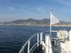 in navigazione verso la costa